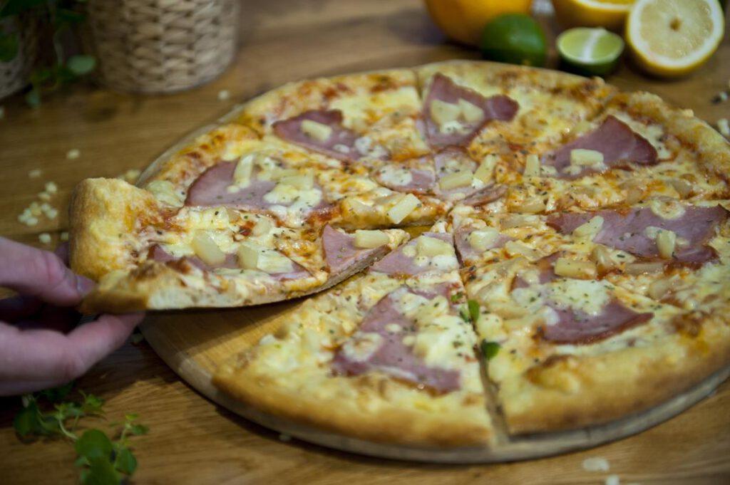 Zaskakujące korzyści zdrowotne z jedzenia pizzy