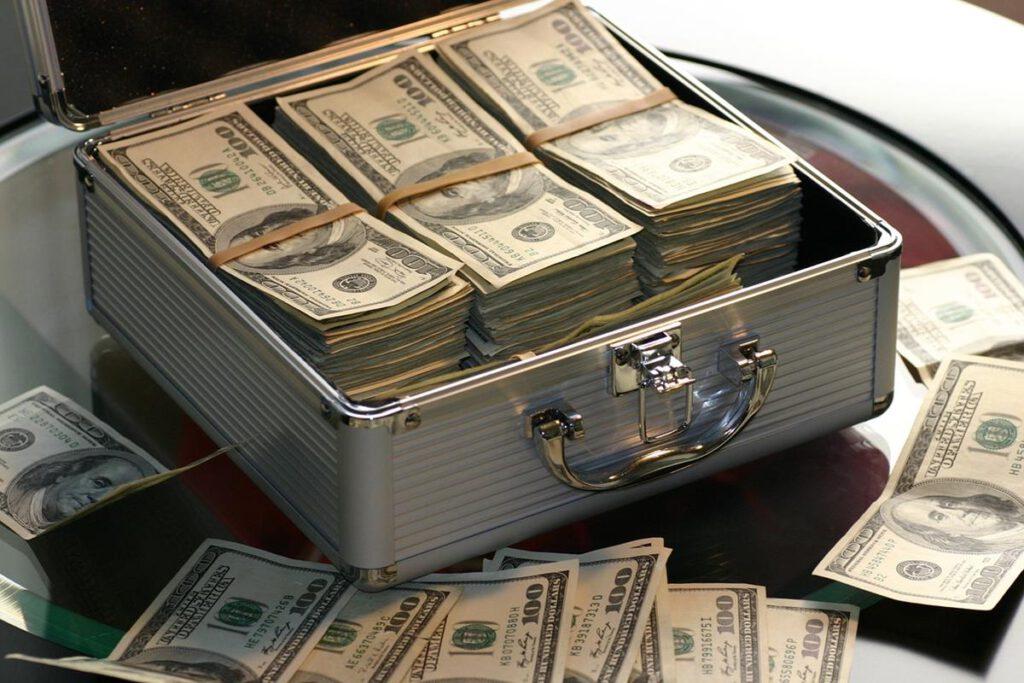 Dlaczego warto skorzystać z pożyczek dla firm?